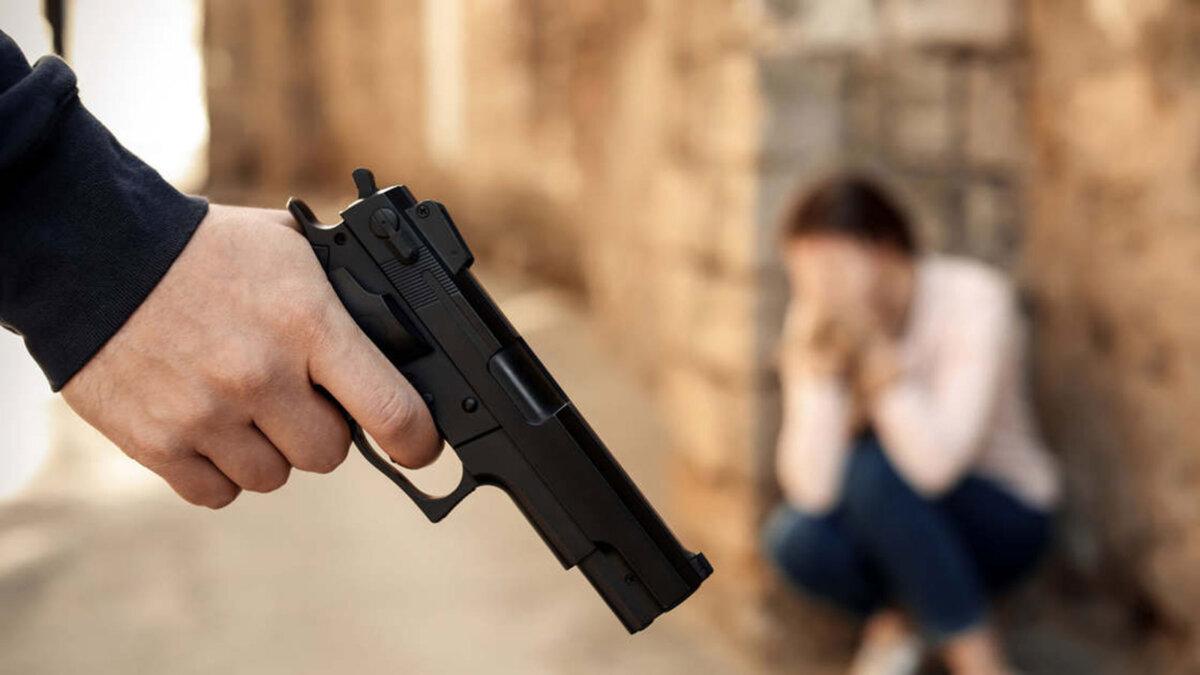 захват заложников оружие пистолет
