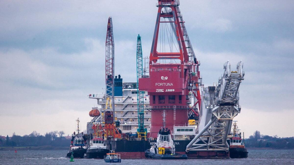 Северный поток-2 баржа судно трубоукладчик Фортуна один