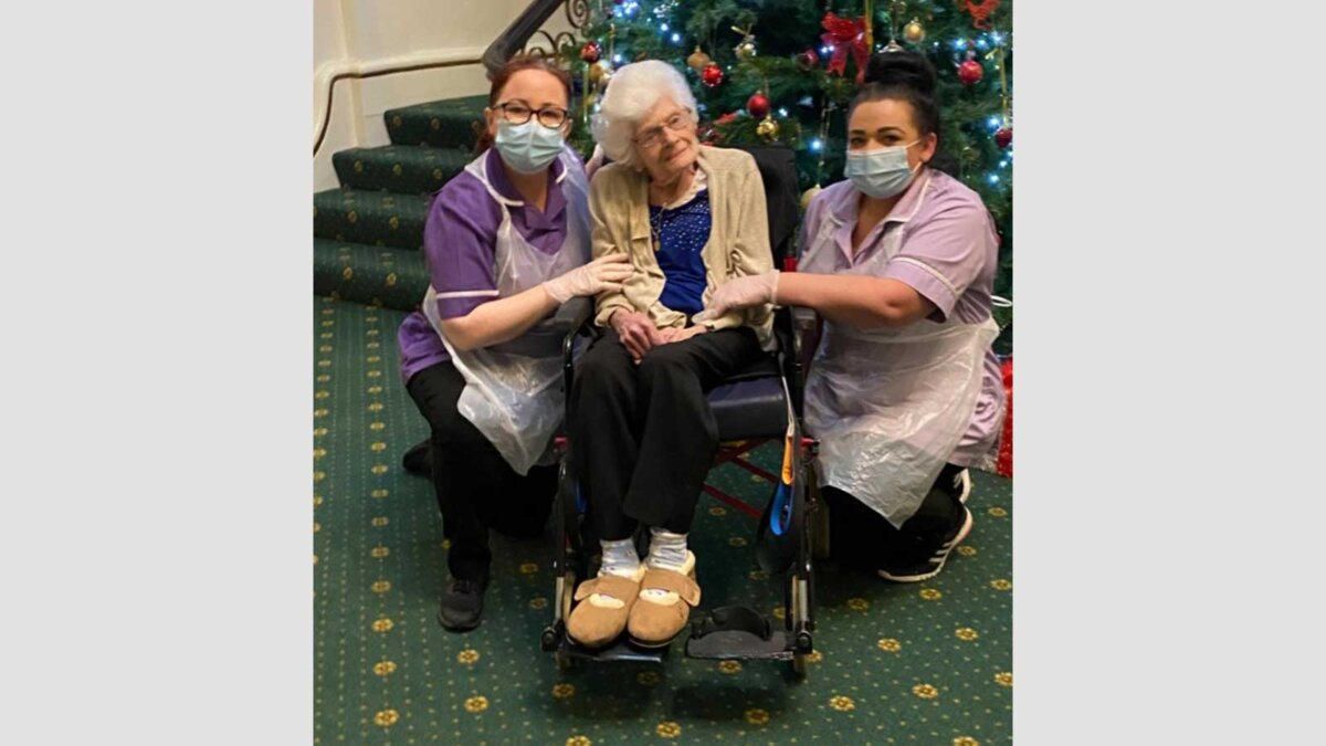 107-летняя Минни Миддл
