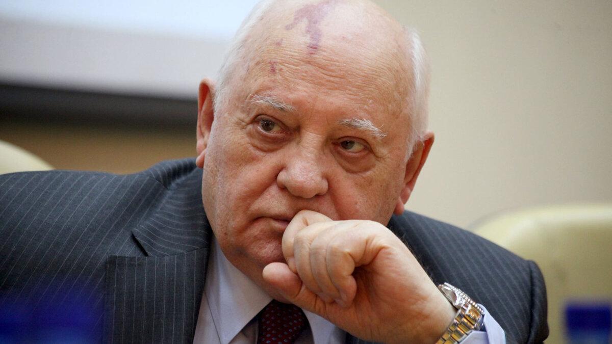 Экс-президент СССР Михаил Горбачев задумчивый