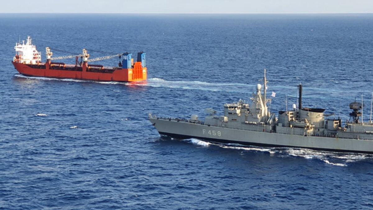 Спецназ НАТО высадился на российский торговый корабль Адлер один
