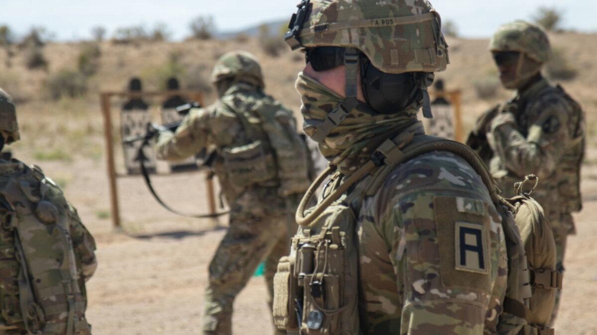 Солдаты США армия военные учения стрельбище