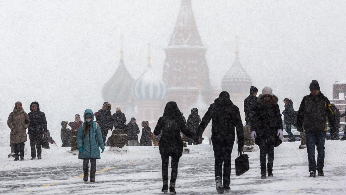 Москва зима погода снегопад день пасмурно