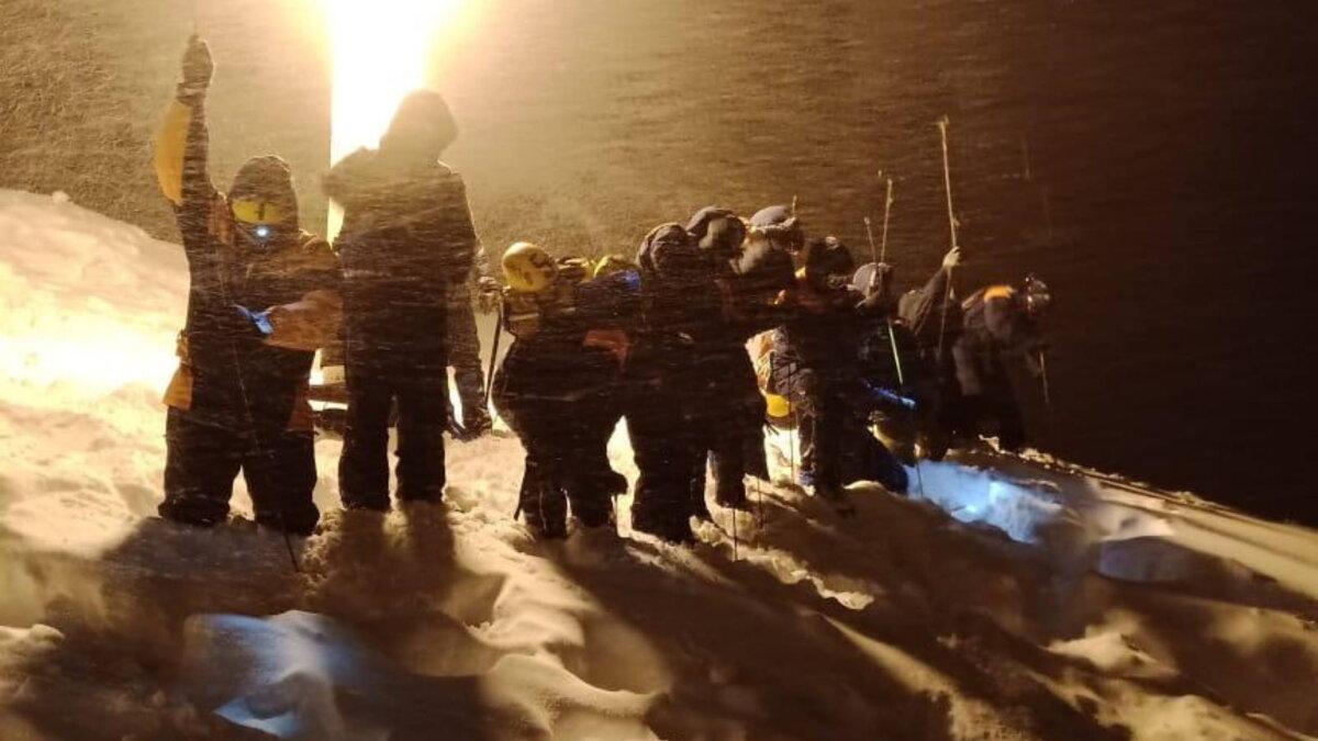 сход лавины Домбай Карачаево-Черкесия два