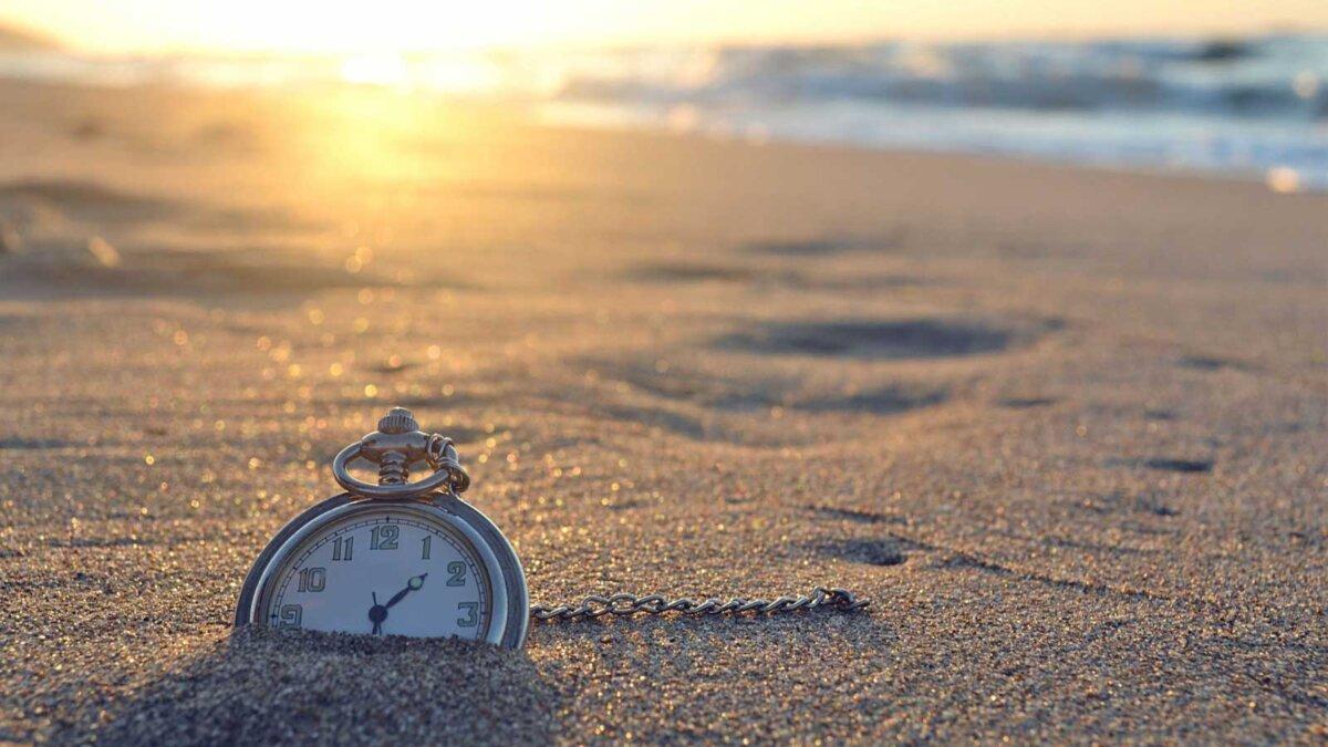 Часы песок море пляж