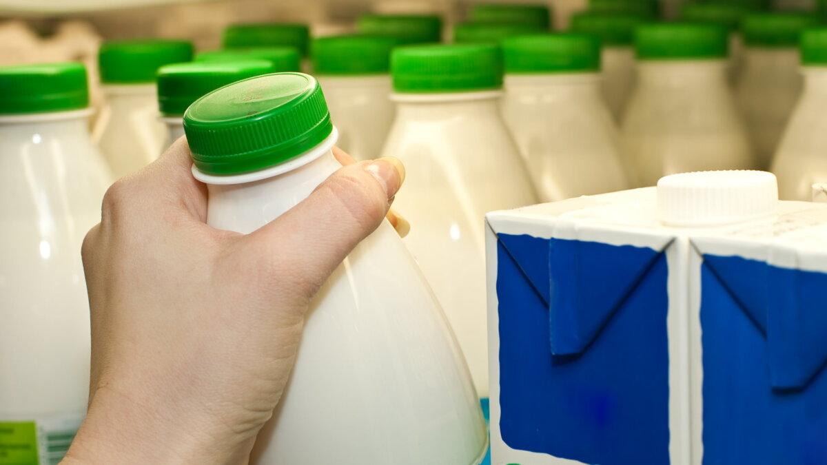 Молочная продукция молоко кефир магазин супермаркет два