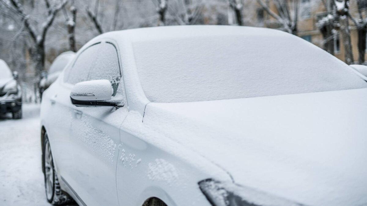 мороз замёрзший автомобиль в снегу два