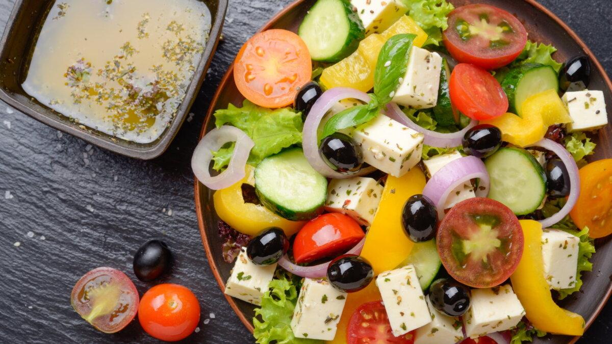 Греческий салат средиземноморская диета два