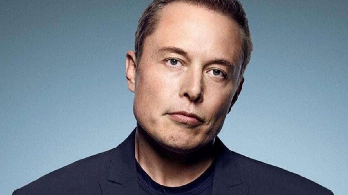 Генеральный директор Tesla Motors Илон Маск - Elon Musk синий фон