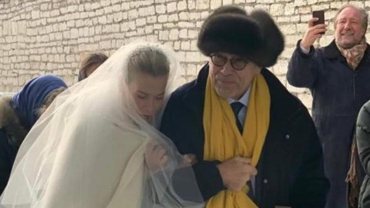 Юлия Высоцкая и Андрей Кончаловский в день венчания