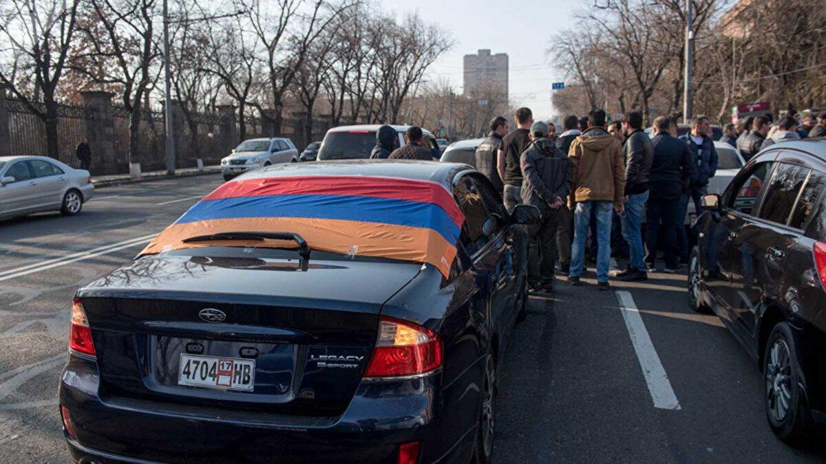 Машины Армения дорога люди