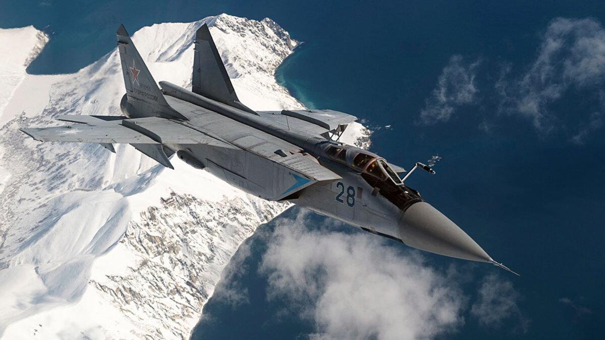 Истребитель-перехватчик МиГ-31 один