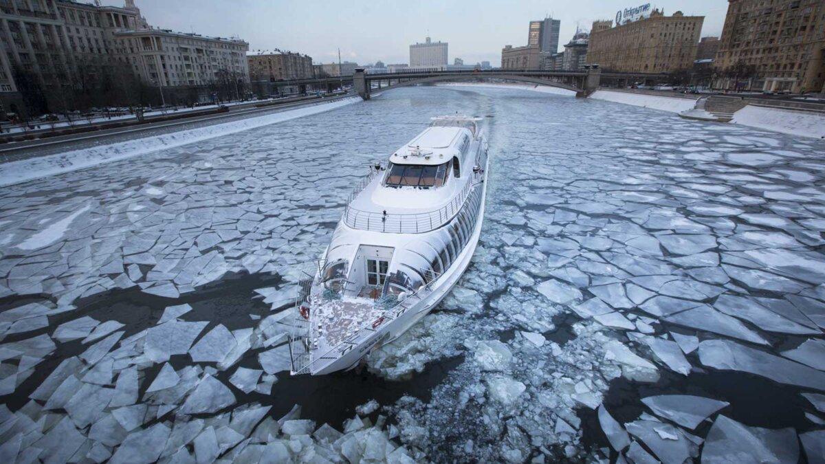 Москва лодка река мороз