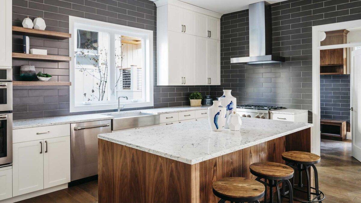 Однотонный интерьер Современный интерьер дома кухня