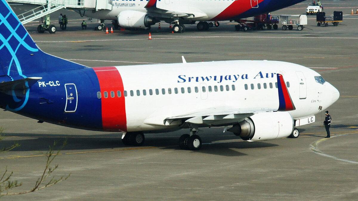 Sriwijaya Air Boeing 737 самолет