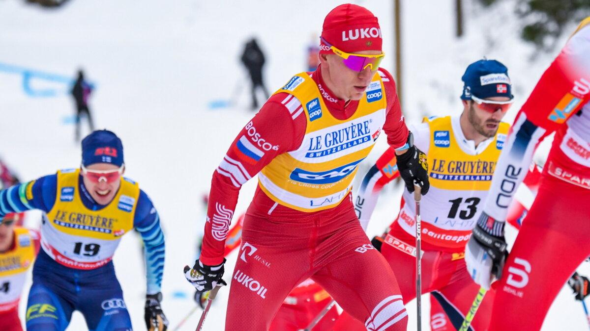Российский лыжник Александр Большунов в скиатлоне на этапе Кубка мира по лыжным гонкам в Лахти