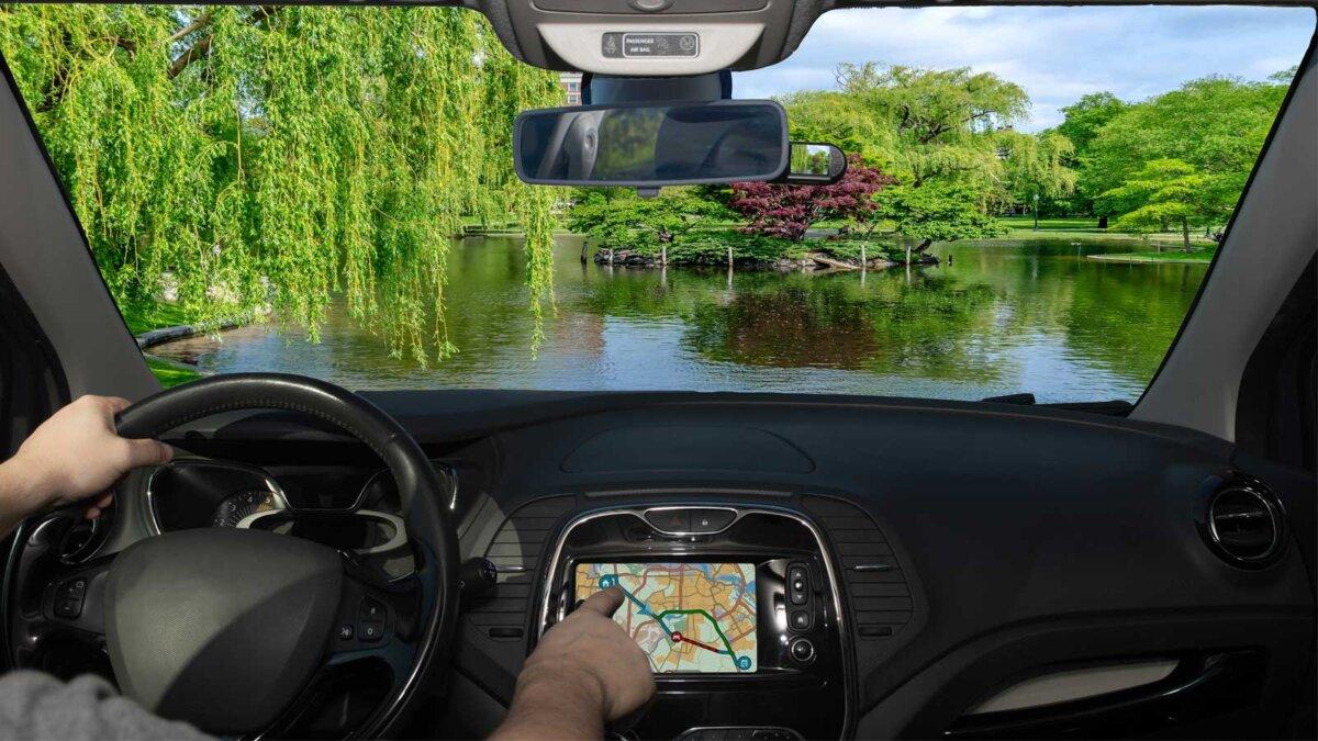 Водитель заехал в озеро навигатор Driving a car