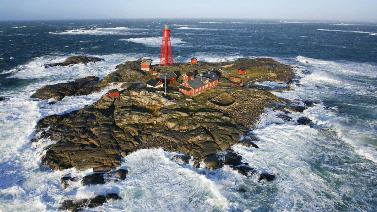 маяк на острове Патер Ностер