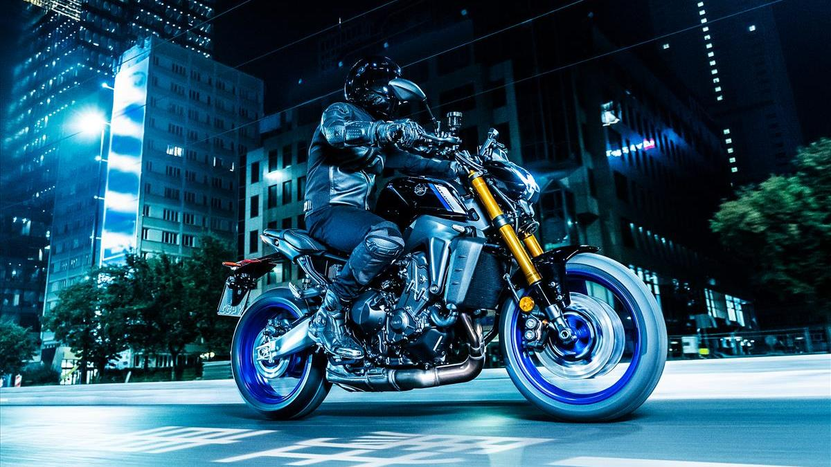 Yamaha MT-09 SP мотоцикл ночь город