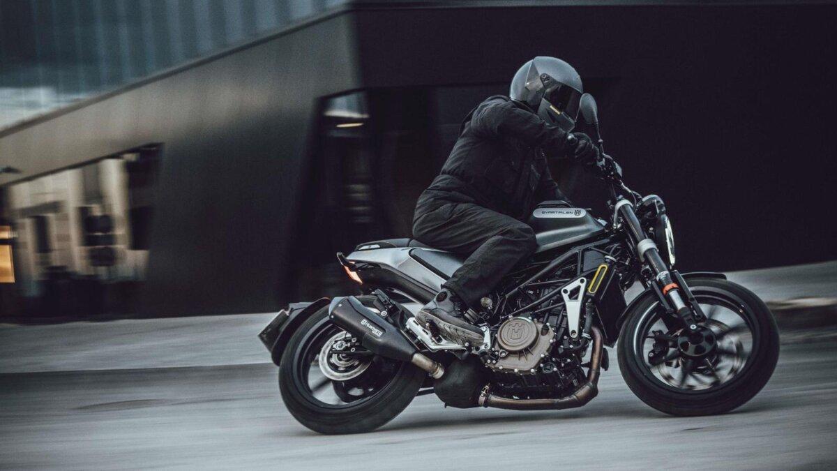 мотоцикл Husqvarna Svartpilen 250