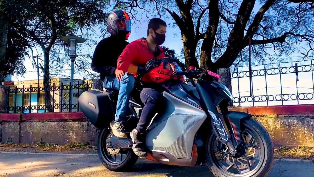 Ultraviolette F77 электрический мотоцикл