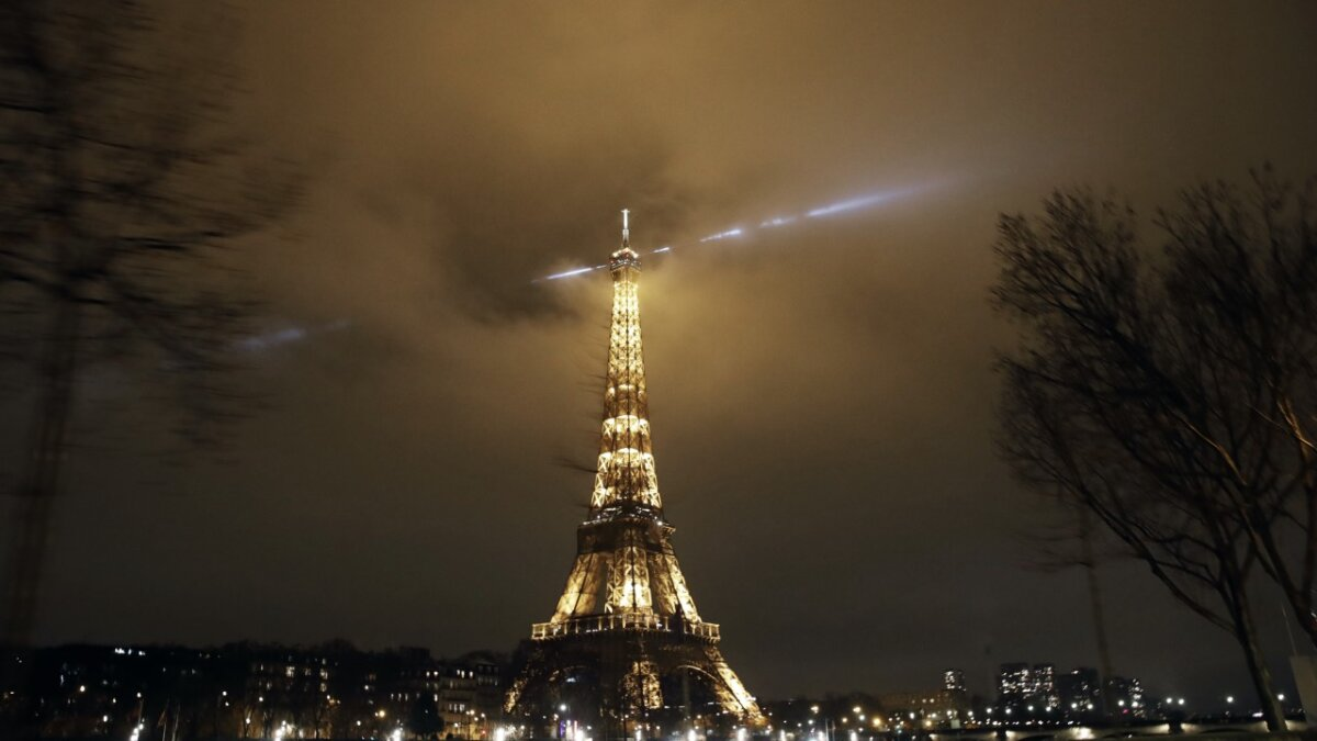 париж эфелева башня локдаун