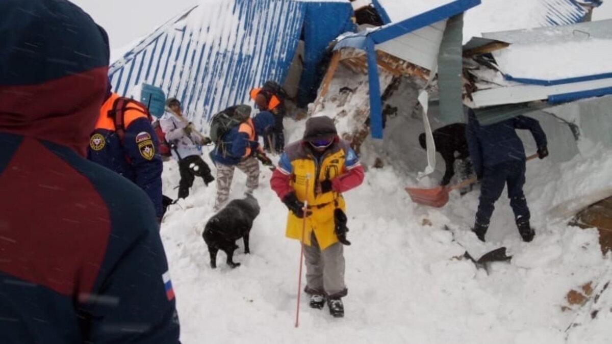сход лавины Домбай Карачаево-Черкесия один
