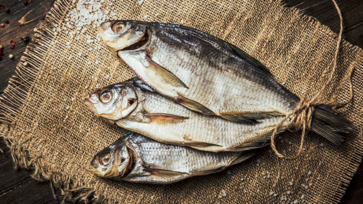 солёная вяленая рыба
