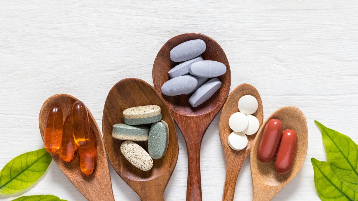 Таблетки витамины БАДы пищевые добавки два