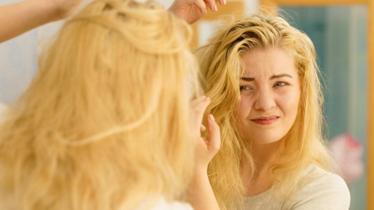 Девушка с жирными волосами волосы уход