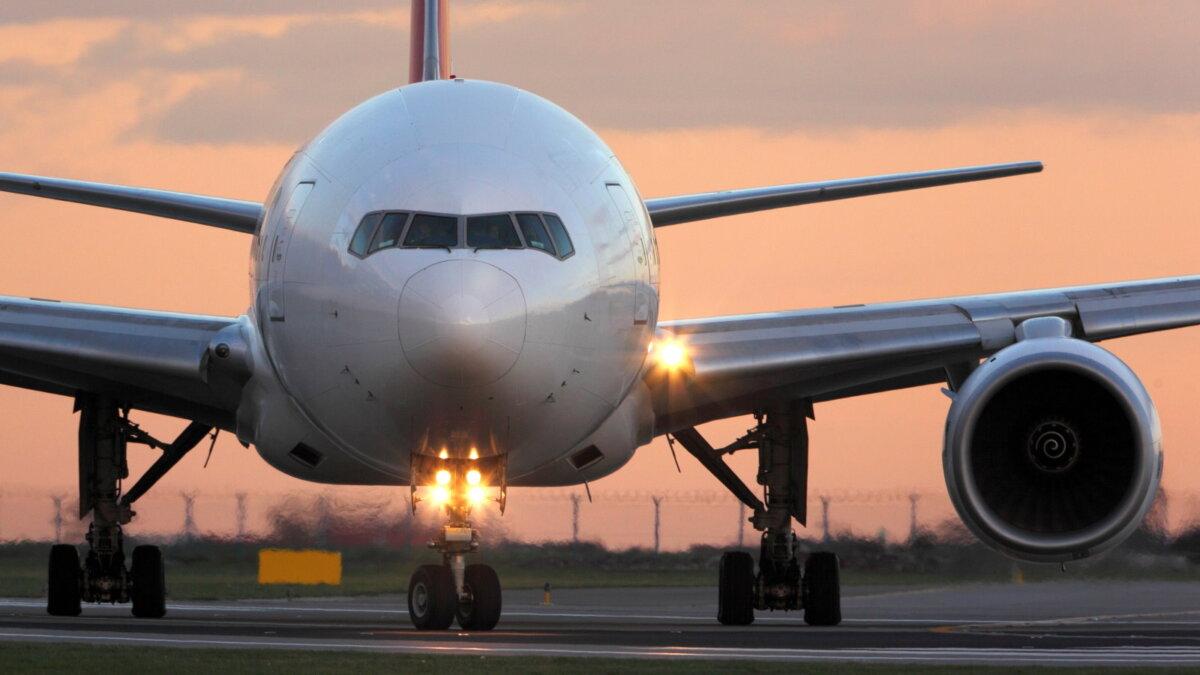 Boeing 777 Боинг близко