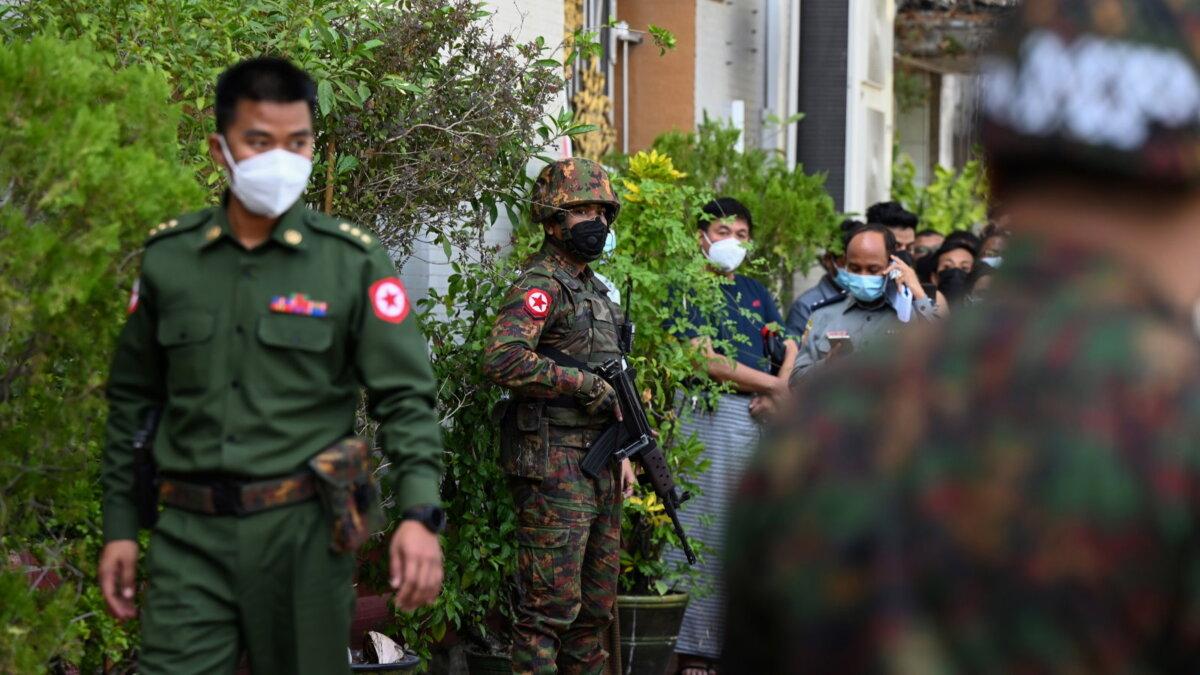 Мьянма военные солдаты