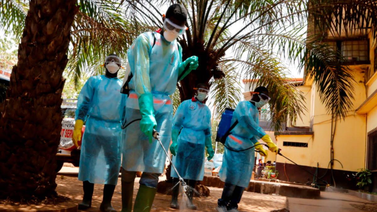 Гвинея Африка вирус Эбола коронавирус дезинфекция