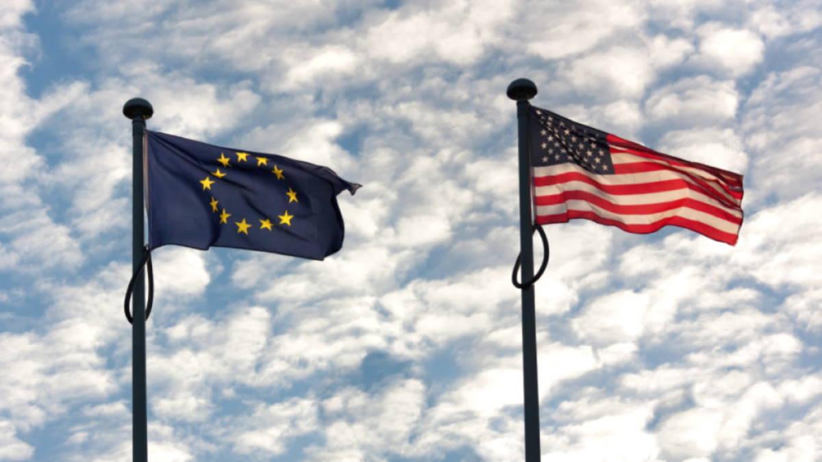 Европа Евросоюз ЕС США флаги