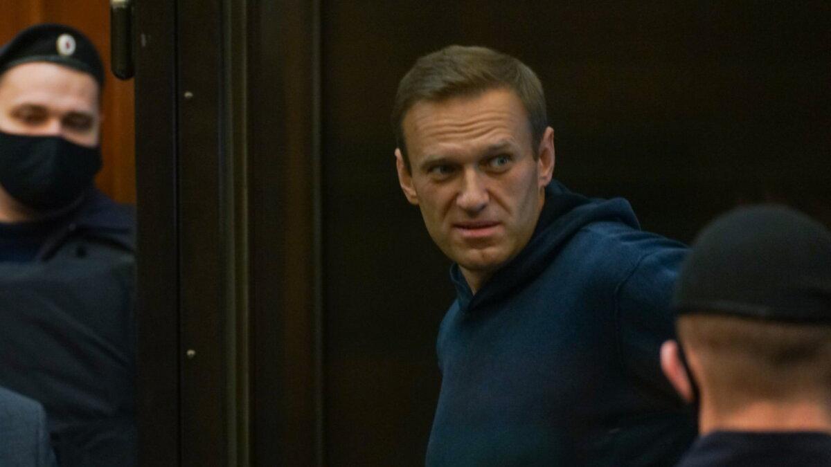 Алексей Навальный в суде один