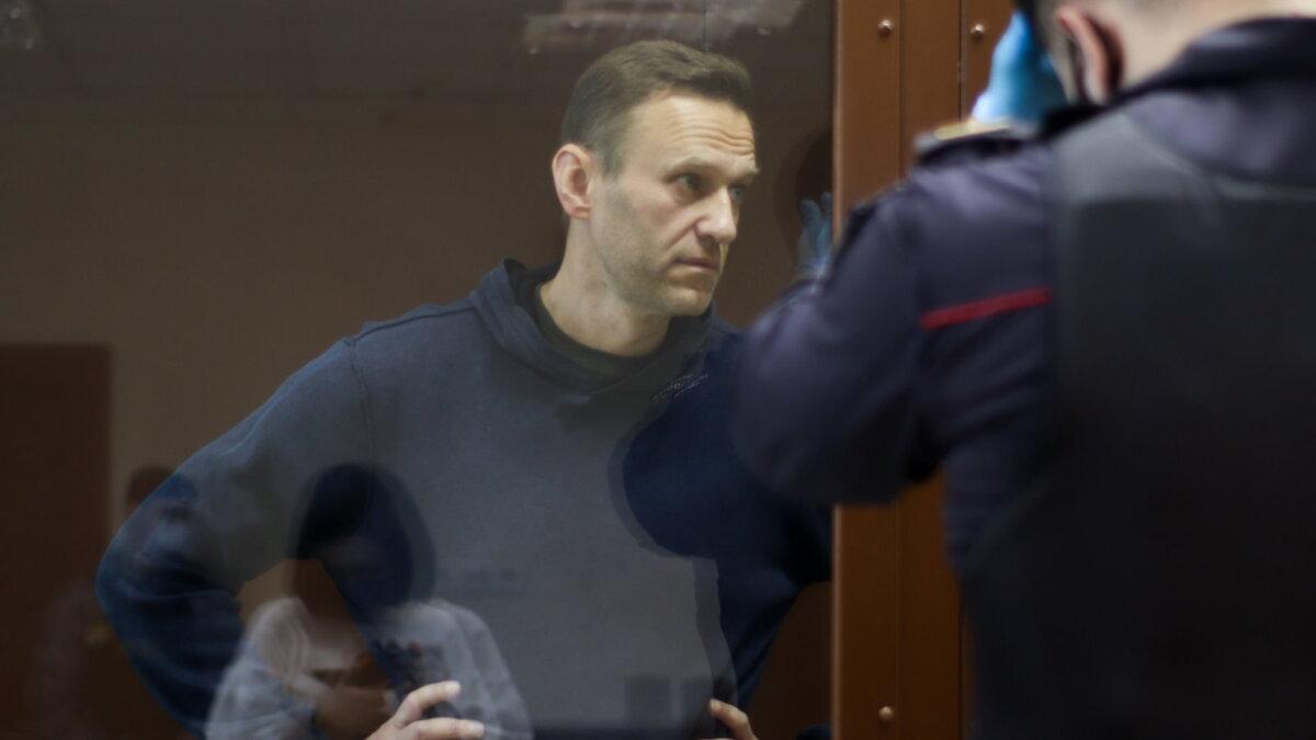 Алексей Навальный в Московском городском суде четыре