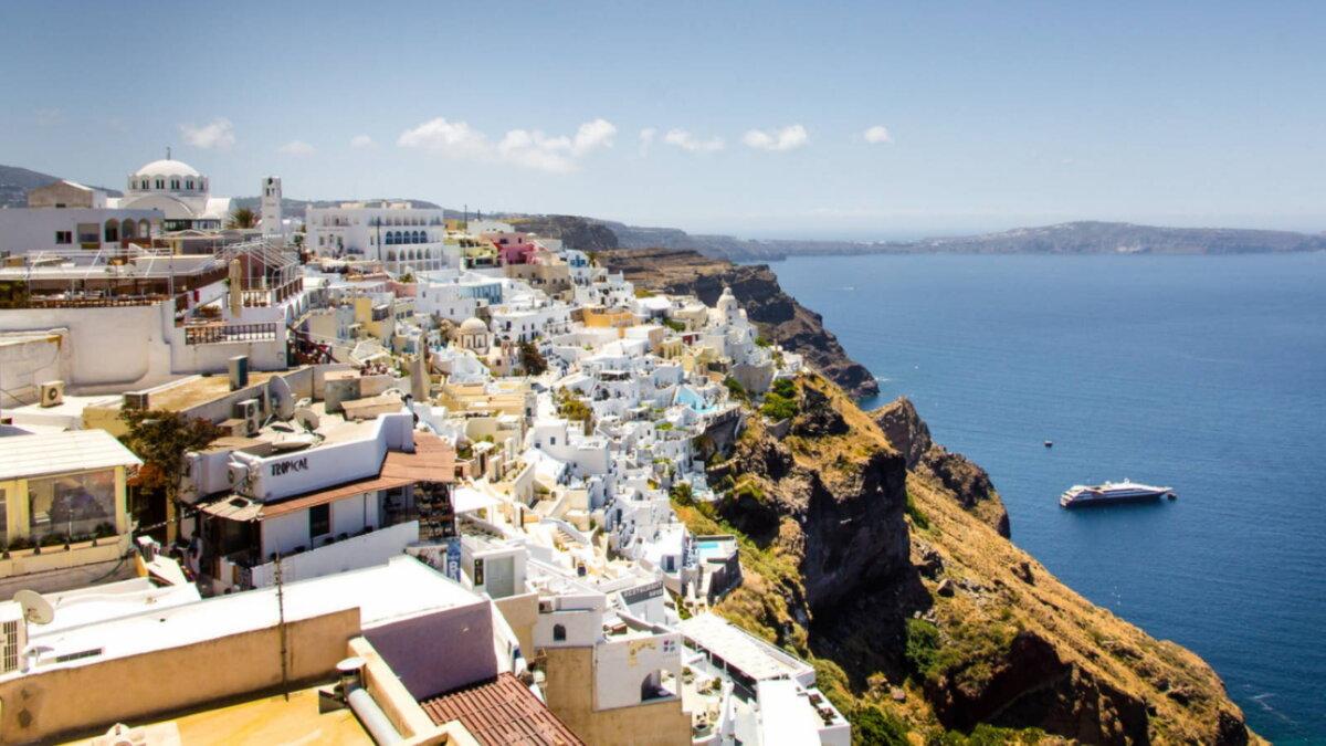 Греция туризм город Ия на острове Санторини два