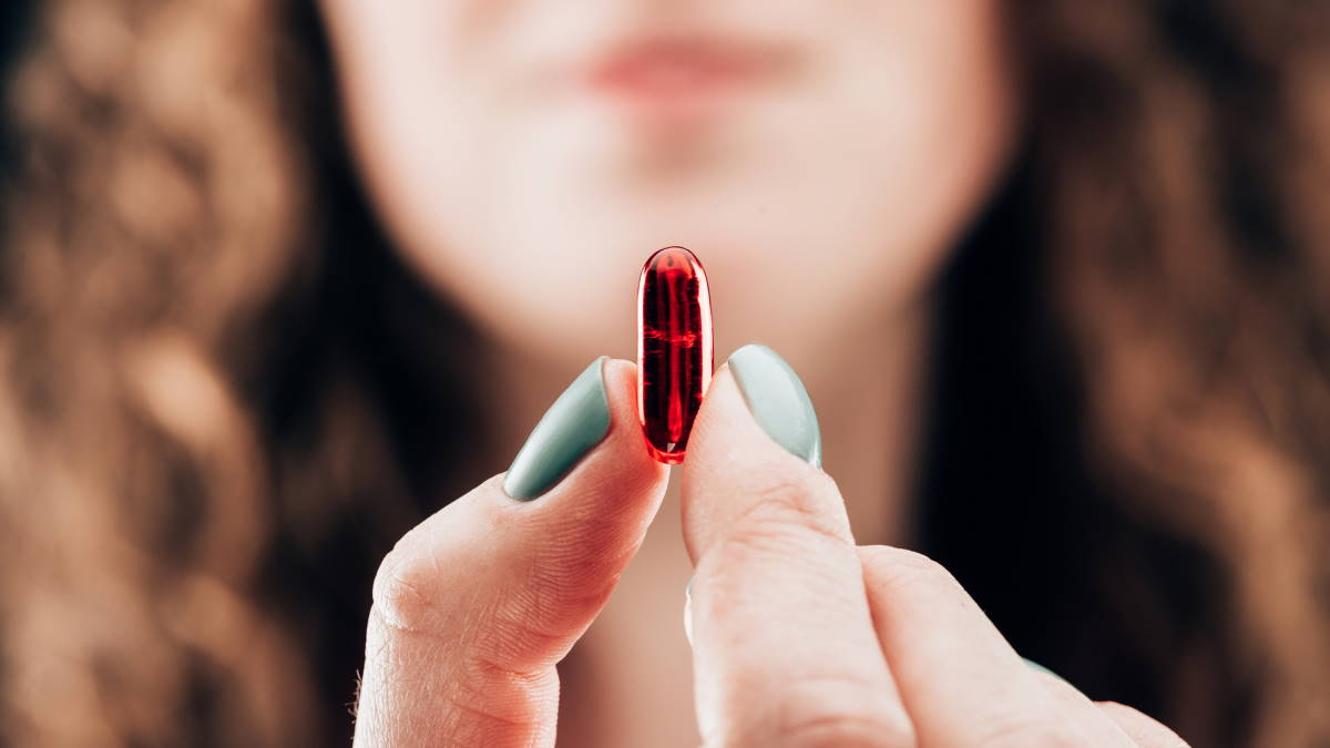 Пилюля лекарство витамины БАДы