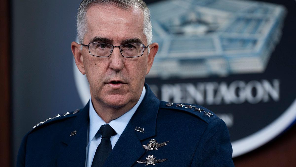 заместитель председателя Объединенного комитета начальников штабов (ОКНШ) генерал ВВС США Джон Хайтен