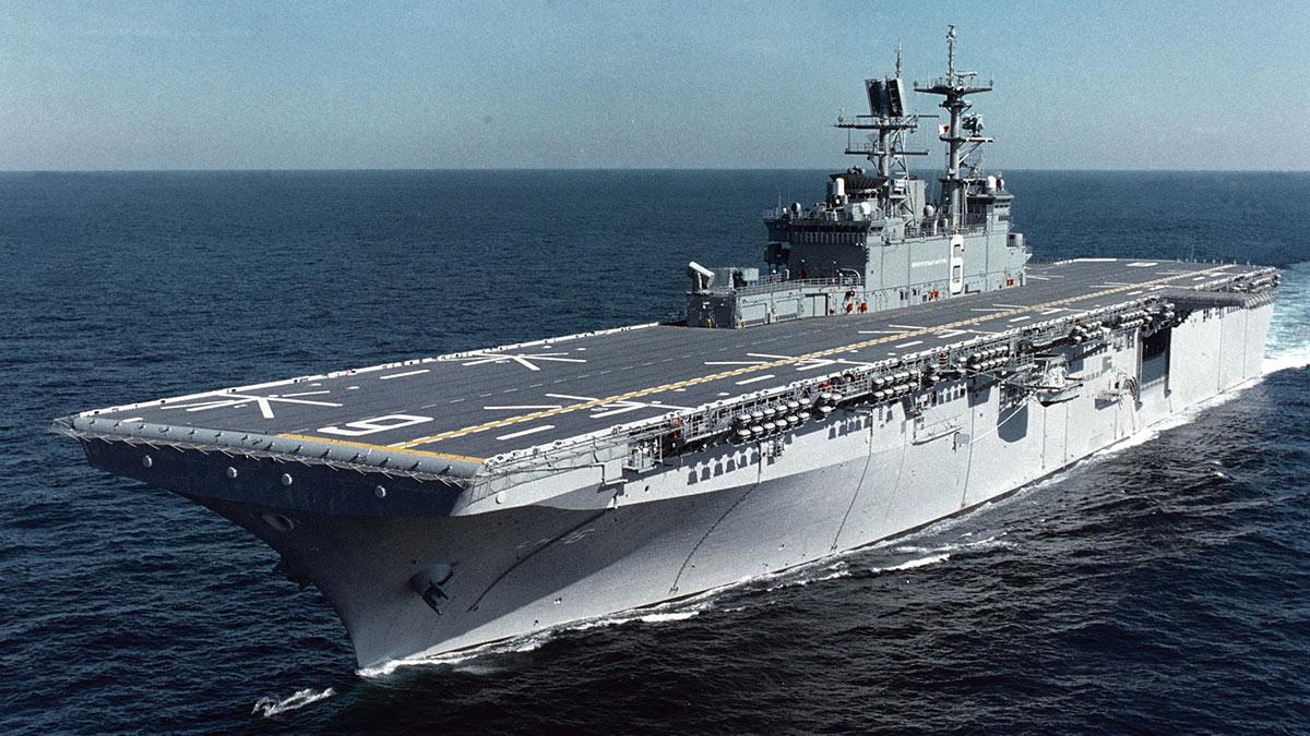 LHD-6 Bonhomme Richard универсальный десантный корабль «Бономм Ричард»