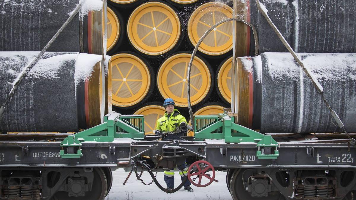 Северный поток-2 доставка труб по железной дороге