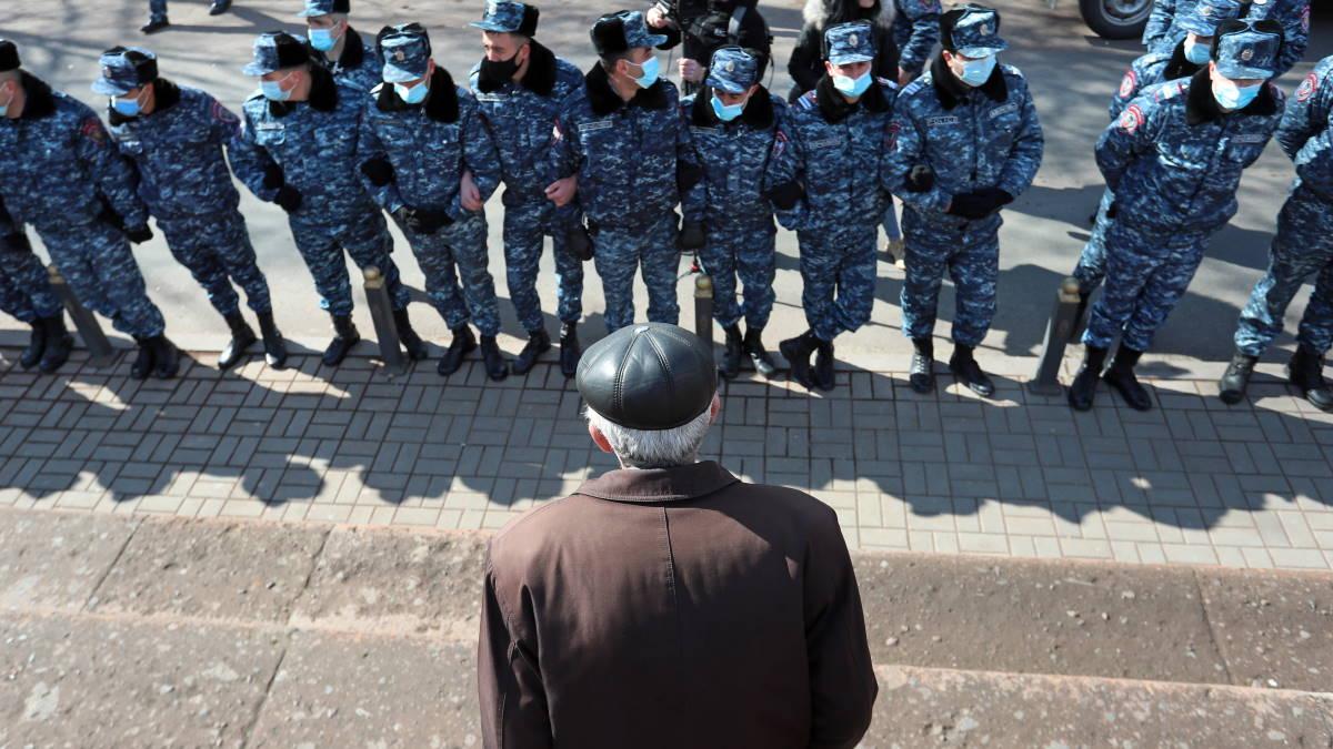Армения полиция протесты митинг оппозиция
