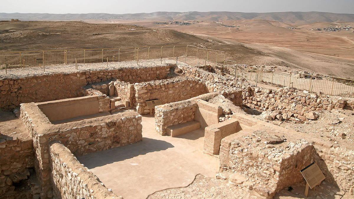 Тель-Арад храм Израиль археология