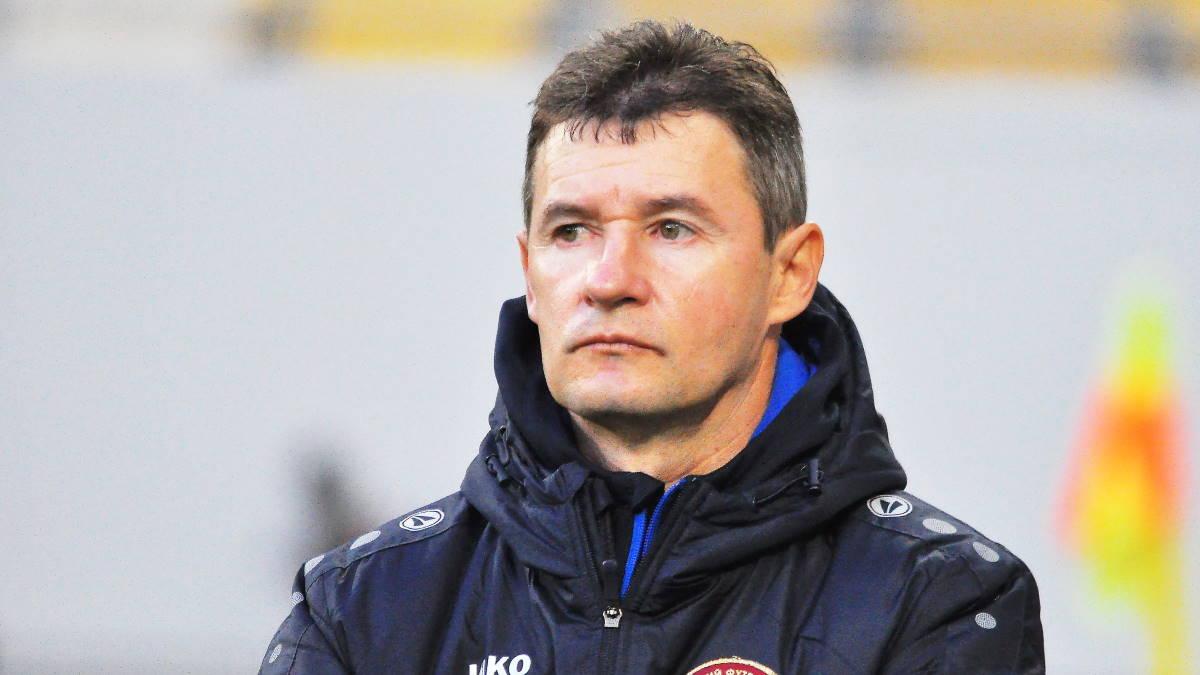 Главный тренер футбольного клуба Львов Виталий Шумский