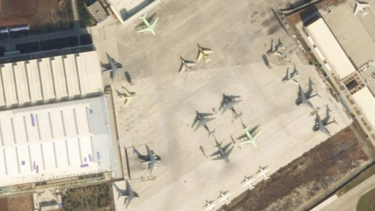 Снимок аэродрома в Сиань-Яньлян Китай заправщик Y-20U