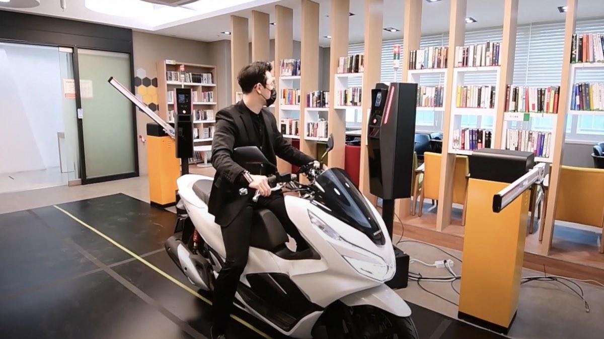 биометрия мотоцикл парковка