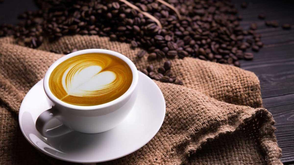 чашка кофе сердце блюдце