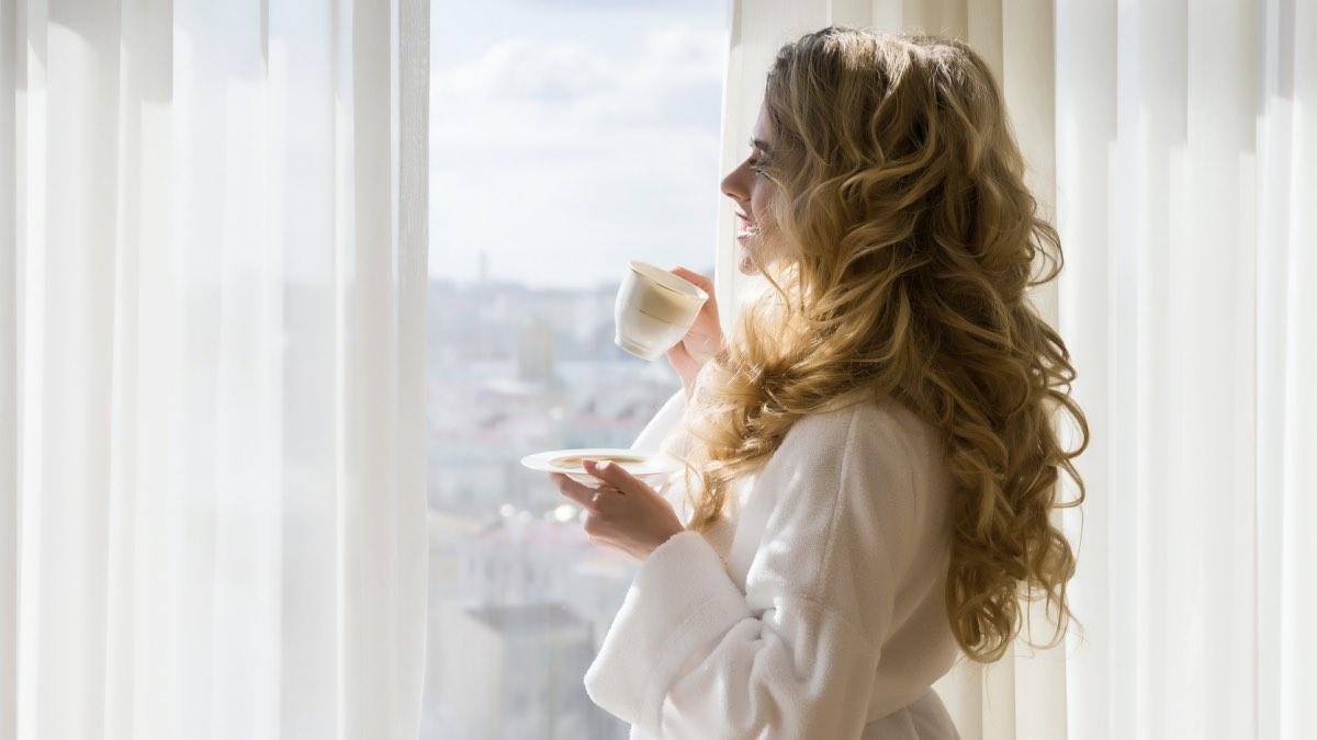 горячий чай зима окно