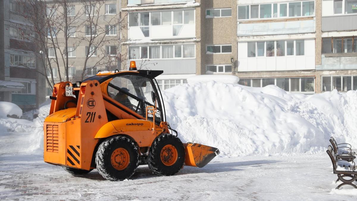 уборка снега бобкэт Южно-Сахалинск