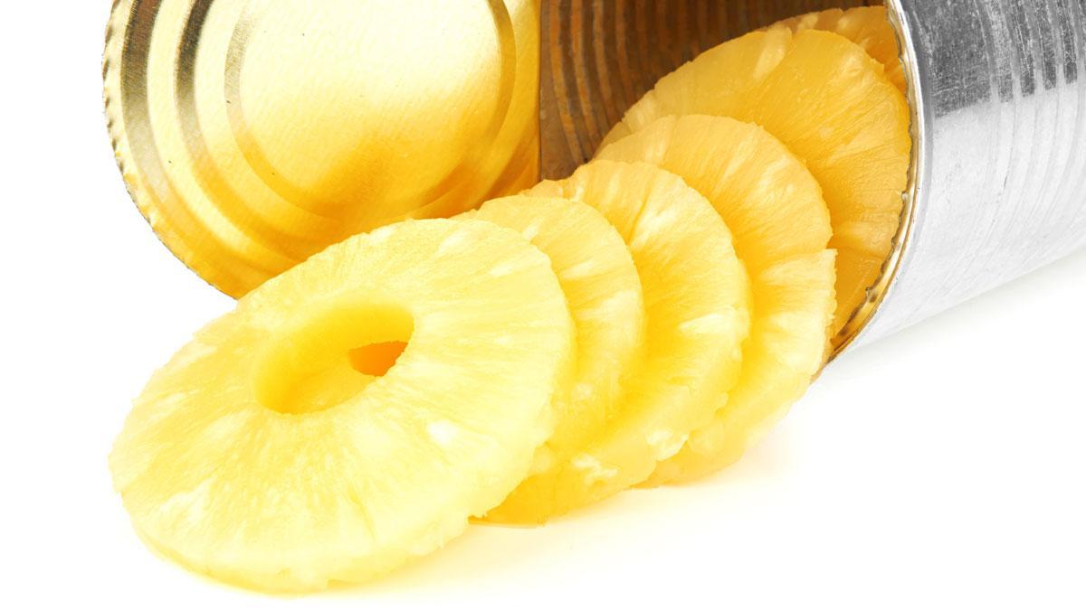 консервированный ананас в банке